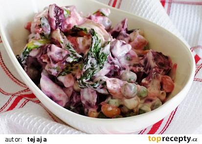 Sójový salát s červenou řepou