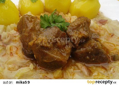 Pikantní vepřové kostky se slaninovou kapustou