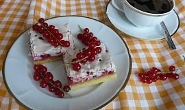 Křehký rybízový koláč