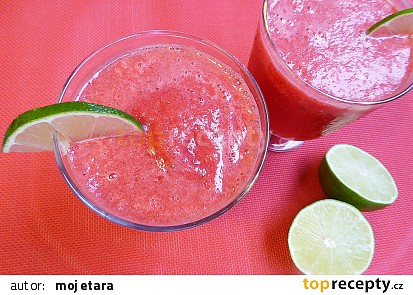 Ledová limonáda z červeného melounu