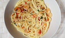 Špagety s krevetami a rajčátky