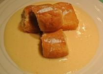 Francouzské máslové buchtičky s vinnou pěnou