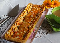 Jablečný koláč s marcipánem a mandlemi