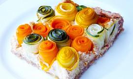 Koláč se zeleninovými růžičkami