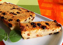 Kuskusový koláč s rozinkami