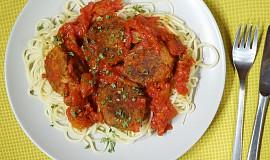 Špagety s tuňákovými kuličkami