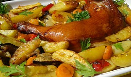 Uzené kuřecí stehno pečené na zelenině