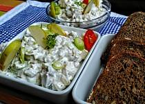 Domácí rybí salát ze sleďů