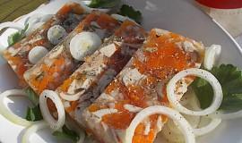 Libový aspik z kuřecího masa a zeleniny