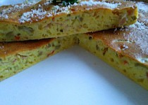 Olivový koláč s uzeným sýrem a slaninou