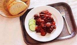 Řecké klobásy s červenými fazolemi