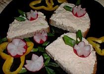 Voňavá sýrová pomazánka s cibulí