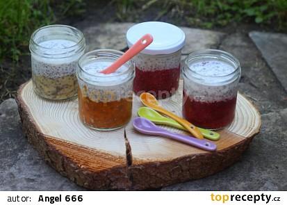Chia pohárky s ovocem