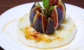 Grilovaný žlutý meloun a fík na medu