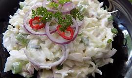Jednoduchý zelný salát se smetanou