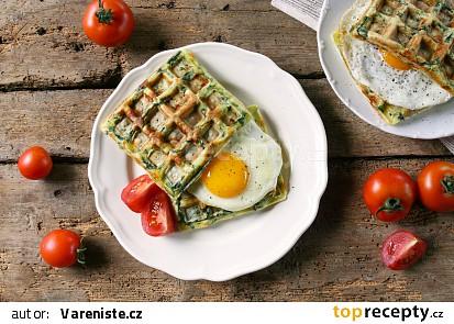 Špenátové wafle s vejcem