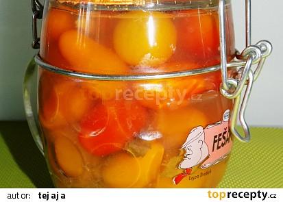 Kořenená třešňová rajčata