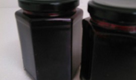 Ostružinová marmeláda s  Amarettem