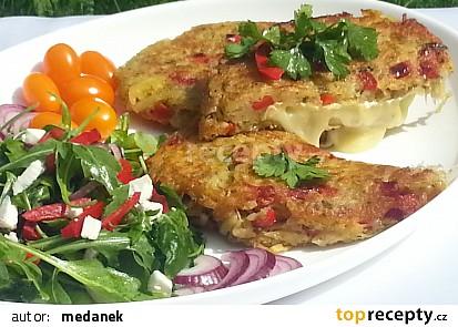 Smažený Hermelín v zeleninovém bramboráku