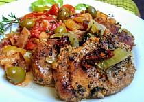 Vepřové kotlety na tymiánu s lilkovou  salsou a rajčaty