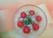 Okurkovo-rajčatový salát