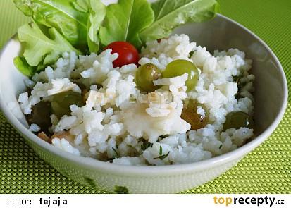 Rýžový salát s hroznovým vínem