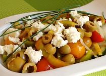 Zeleninový salát s bryndzou