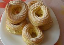 Žloutkové věnečky s italským krémem