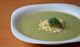 Brokolicová polévka bez zahuštění s tofu nudlemi