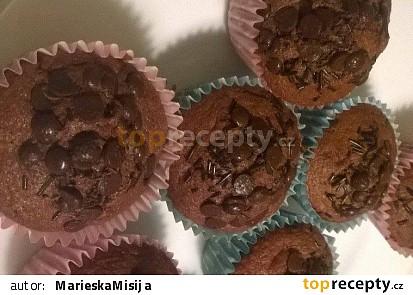 Čokoládové muffiny s čokoládovou posypkou