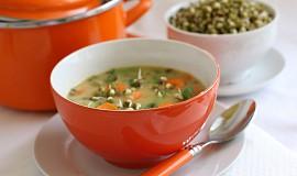 Hrachová polévka s hráškem