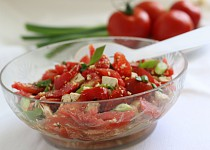 Pochoutkový rajčatový salát