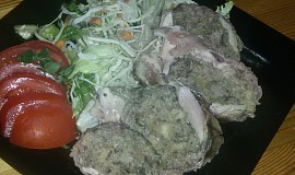 Kuřecí roláda s houbovou náplní
