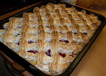 Rybízovo-angreštový tvarohový koláč