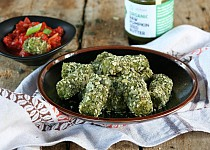 Brokolicové špalíčky s rajčatovým dipem