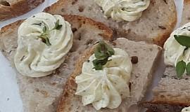 Česneková pomazánka delicates