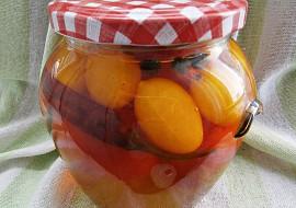 Rajčata v pikantním nálevu