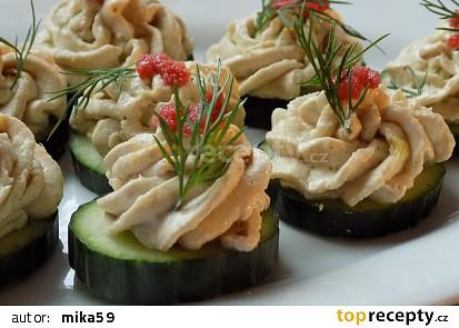 Jednoduchá makrelová pomazánka se sýrem