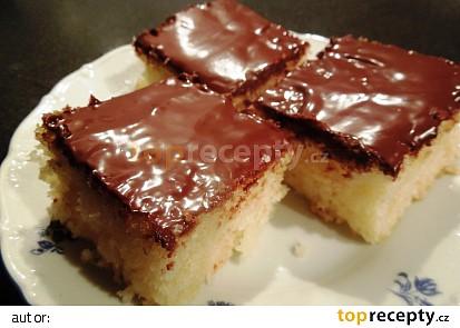 Koláč z cukety s čokoládovou polevou