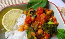 Cizrnové kari se špenátem a brokolicí