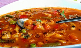 Dršťková polévka se zeleninou a žampiony