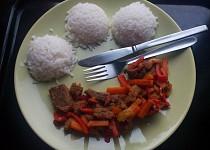 Kančí/vepřové maso se zeleninou