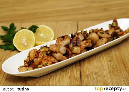 Krevety v pikantní medové marinádě s vlašskými ořechy