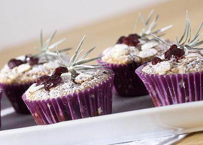 Zimní zdobení ovesných muffinů s banánem a čokoládou