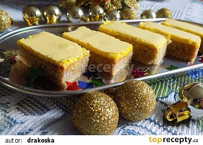 Ořechové žluté řezy
