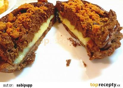 Tartaletka s krémem z vaječného likéru čokoládovou pěnou s lotus sušenkou
