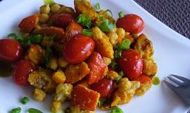 Pečená dýně s rajčaty a cizrnou