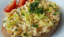 Pomazánka z vařené kořenové zeleniny, brambor a sýru