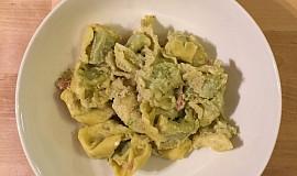 Tortellini se smetanovo-sýrovou omáčkou à la Genovese
