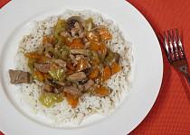 Vepřové nudličky se zeleninou a rýží